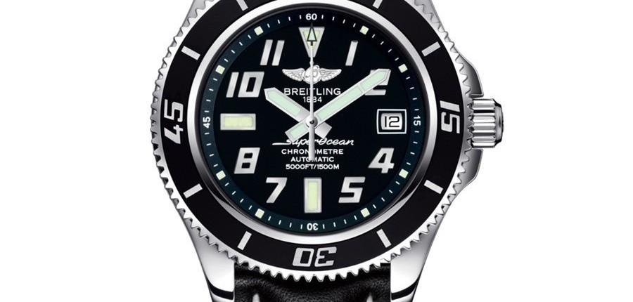 Montre femme Breitling noire et bracelet noir